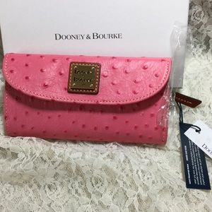 NWT HOT PINK CONTINENTAL CLUTCH WALLET